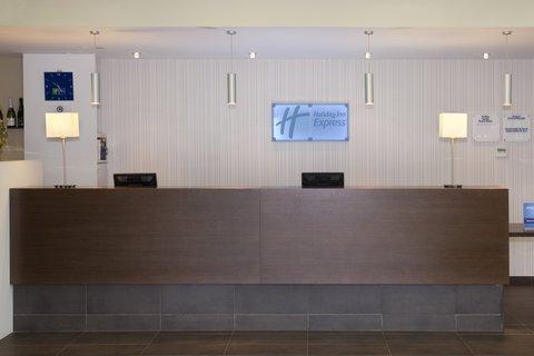 Holiday Inn Express Barcelona Sant Cugat - Front Desk