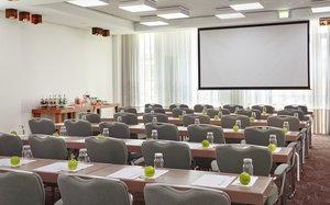 Berlin Meeting Room Classroom Setup