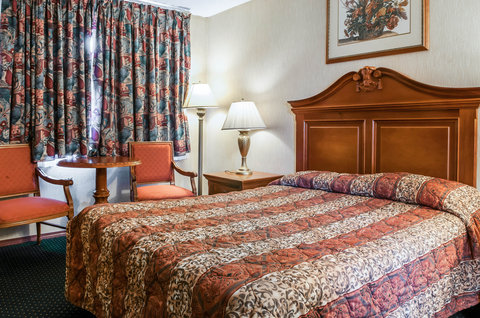 Rodeway Inn Gallup - Guest room