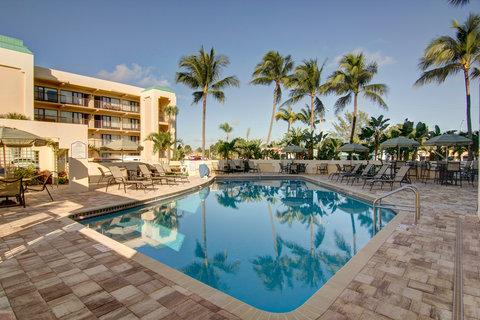 Boca Raton Plaza Hotel and Suites - Pool
