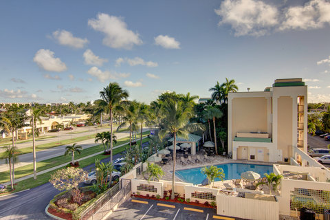 Boca Raton Plaza Hotel and Suites - Overview