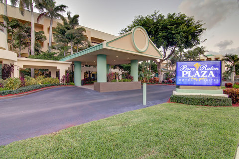 Boca Raton Plaza Hotel and Suites - Entrance
