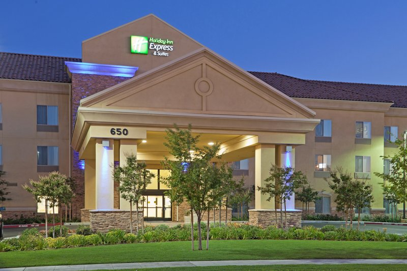 HOLIDAY INN EXP STES CLOVIS