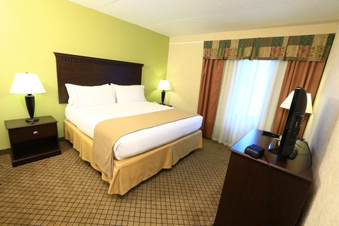 Holiday Inn Express & Suites GRAND RAPIDS AIRPORT - Wheelchair Accessible