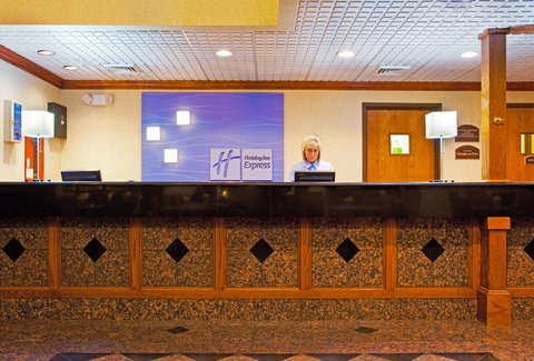 Holiday Inn Express & Suites GRAND RAPIDS AIRPORT - Front Desk