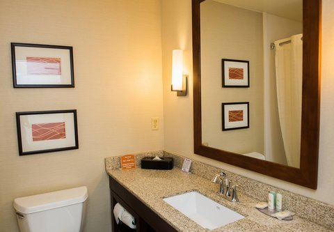 Residence Inn Marriott Erie - Suite Bathroom