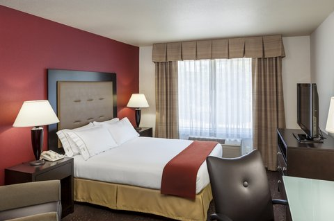 Holiday Inn Express CORVALLIS-ON THE RIVER - Single Queen Bed Guest Room