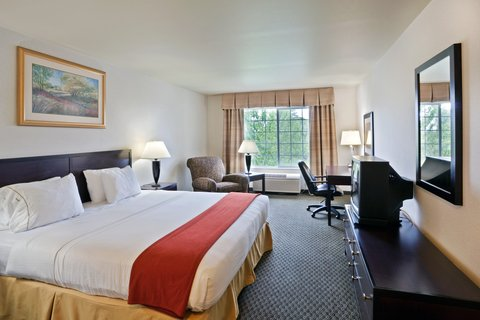 Holiday Inn Express CORVALLIS-ON THE RIVER - King Bed Guest Room