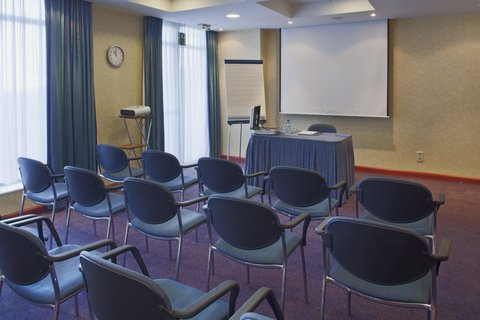 Holiday Inn CALAIS - Holiday Inn Calais Meeting Room  Les 6 Bourgeois from 2-20 persons