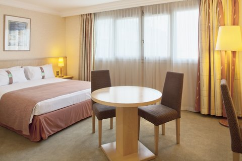 Holiday Inn CALAIS - Holiday Inn Calais with double bed en suite  harbor view