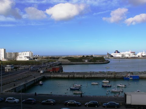 Holiday Inn CALAIS - Holiday Inn Calais harbour and seaview from a room at the front