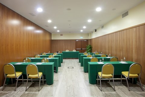 Holiday Inn CAGLIARI - Meeting Room  62 sq m   Class Room style