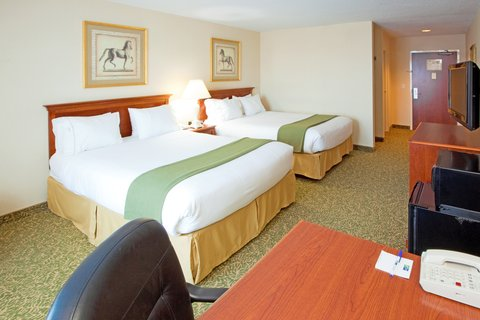 Holiday Inn Express & Suites HAGERSTOWN - Double Queen Bed Guest Room