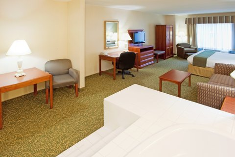 Holiday Inn Express & Suites HAGERSTOWN - Jacuzzi Suite