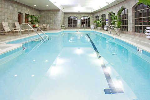 Holiday Inn Express & Suites HAGERSTOWN - Swimming Pool