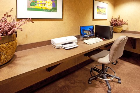 Holiday Inn Express & Suites HAGERSTOWN - Business Center