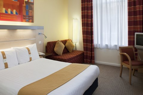 Holiday Inn Express EDINBURGH CITY CENTRE - Double Bed Guest Room