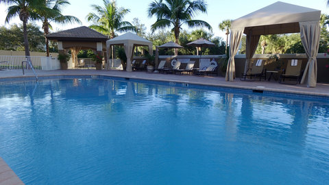 Fairfield Inn And Suites By Marriott Naples Hotel - Our spacious cabanas are complimentary