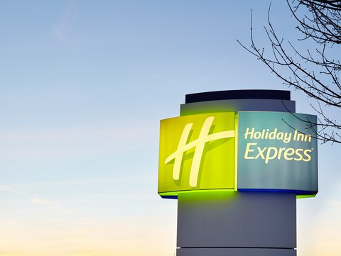 Holiday Inn Express DUSSELDORF - CITY NORTH - Holiday Inn Express Sign