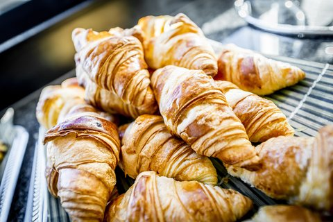 Holiday Inn Express DUSSELDORF - CITY NORTH - Wake up to delicious warm pastries