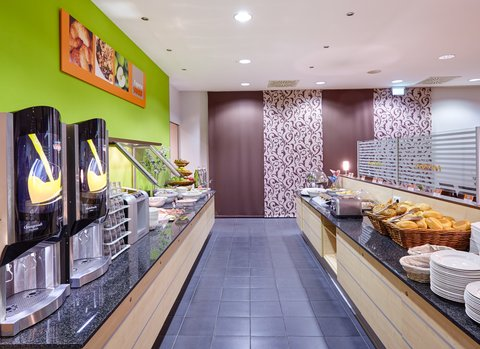 Holiday Inn Express DUSSELDORF - CITY NORTH - Help yourself to our delicious Breakfast Buffet