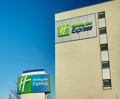 Holiday Inn Express DUSSELDORF - CITY NORTH - Hotel Exterior Signage Detail