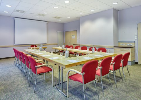 Holiday Inn Express DUSSELDORF - CITY NORTH - Host your conference in our well-appointed Meeting Room