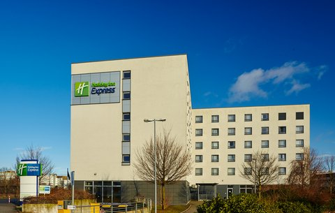 Holiday Inn Express DUSSELDORF - CITY NORTH - Hotel Exterior Day