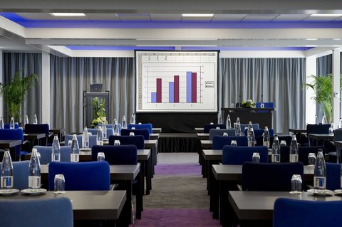 Holiday Inn EINDHOVEN - Meeting Room - A new approach to business