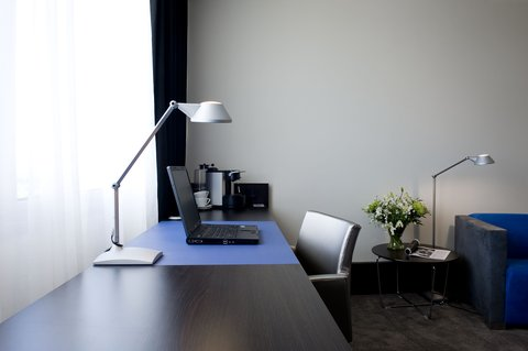 Holiday Inn EINDHOVEN - Executive room - large workspace