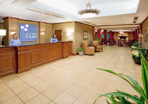 Holiday Inn Express & Suites HAGERSTOWN - Hotel Lobby