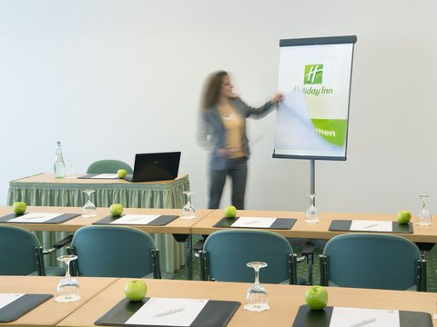 Holiday Inn ESSEN - CITY CENTRE - Conference room Hollywood   Berlin in classroom set-up