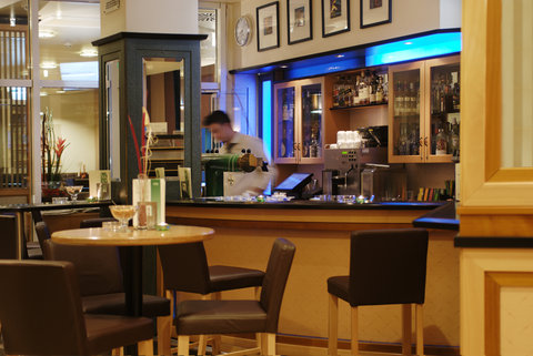 Holiday Inn ESSEN - CITY CENTRE - Bar and Lounge
