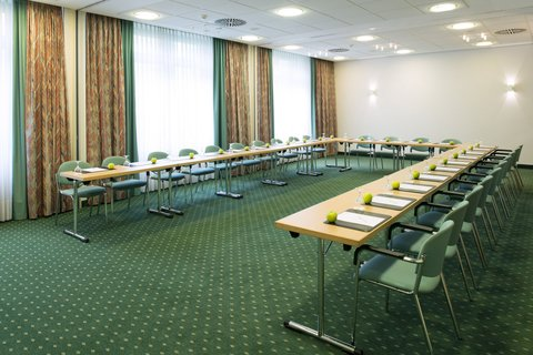 Holiday Inn ESSEN - CITY CENTRE - Conference room Locarno  Venedig   Cannes in u-shape set-up