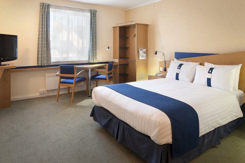 Holiday Inn Express Aberdeen City Centre - Wheelchair Accessible Bedrooms all have roll-in showers