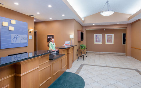 Holiday Inn Express BILLINGS - Front Desk