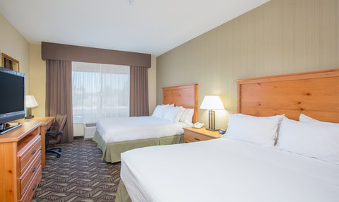 Holiday Inn Express BILLINGS - ADA Handicapped accessible Two Queen Guest Room with mobility tub