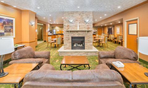Holiday Inn Express BILLINGS - Hotel Lobby