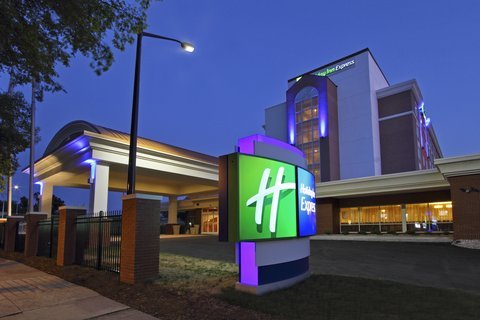 Holiday Inn Express AUGUSTA EAST - Exterior Feature