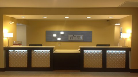 Holiday Inn Express AUGUSTA EAST - Front Desk