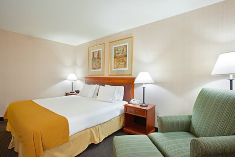 Holiday Inn Express Hotel & Suites Chicago-Midway Airport - King Bed Guest Room at the Holiday Inn Express Chicago Midway