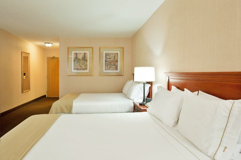 Holiday Inn Express Hotel & Suites Chicago-Midway Airport - 2 Queen Beds near Chicago Midway Airport