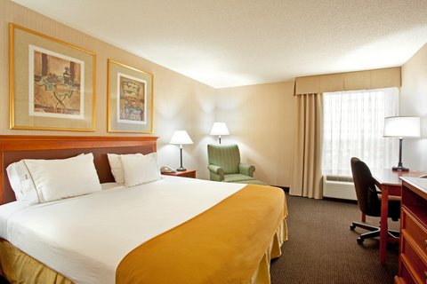 Holiday Inn Express Hotel & Suites Chicago-Midway Airport - Work or relax at the Holiday Inn Express Chicago Midway