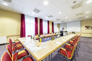 Ideal for small meetings and trainings - our conference room Wien