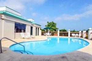 Pool - Quality Inn Simpsonville