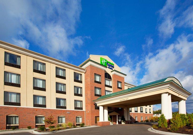 Holiday Inn Express & Suites Detroit - Utica in Utica, MI, photo #2
