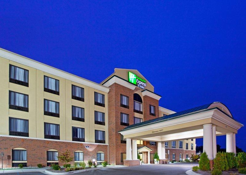 Holiday Inn Express & Suites Detroit - Utica in Utica, MI, photo #3