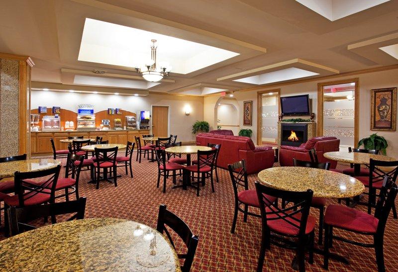 Holiday Inn Express & Suites Detroit - Utica in Utica, MI, photo #17
