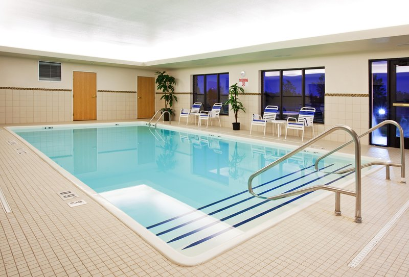 Holiday Inn Express & Suites Detroit - Utica in Utica, MI, photo #20