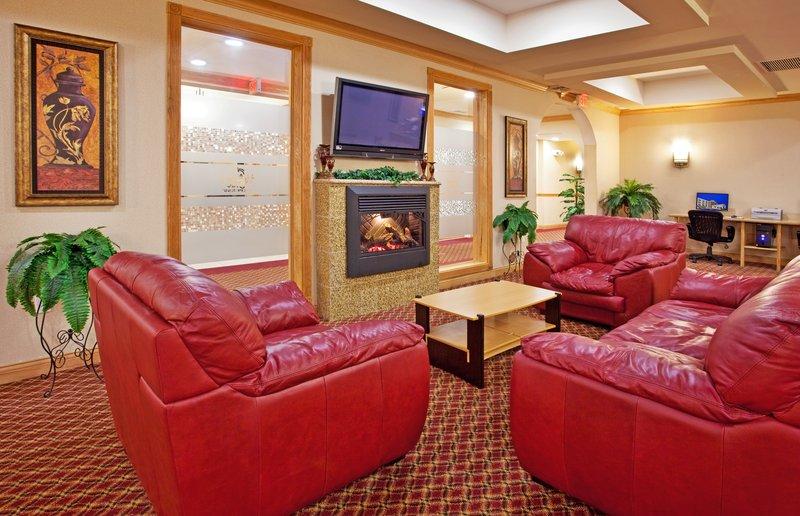 Holiday Inn Express & Suites Detroit - Utica in Utica, MI, photo #23